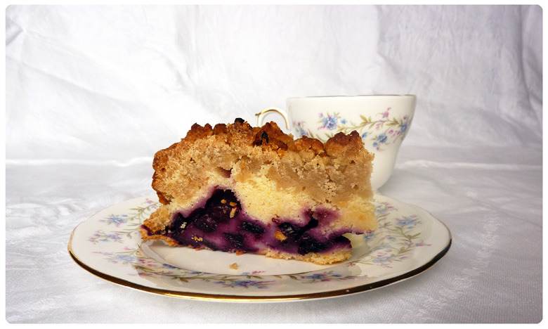 Blueberry and Lemon Crumble Tea Cake