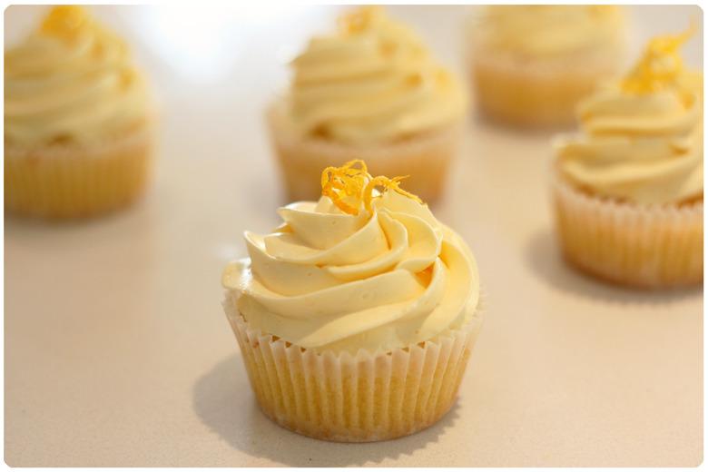 Lemon Cupcakes Lemon curd cupcakes