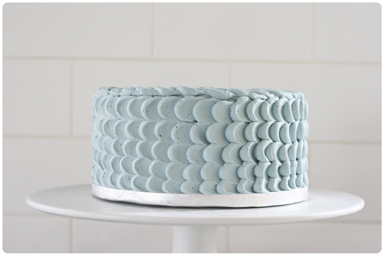 Blue-Petal-Layer-Cake