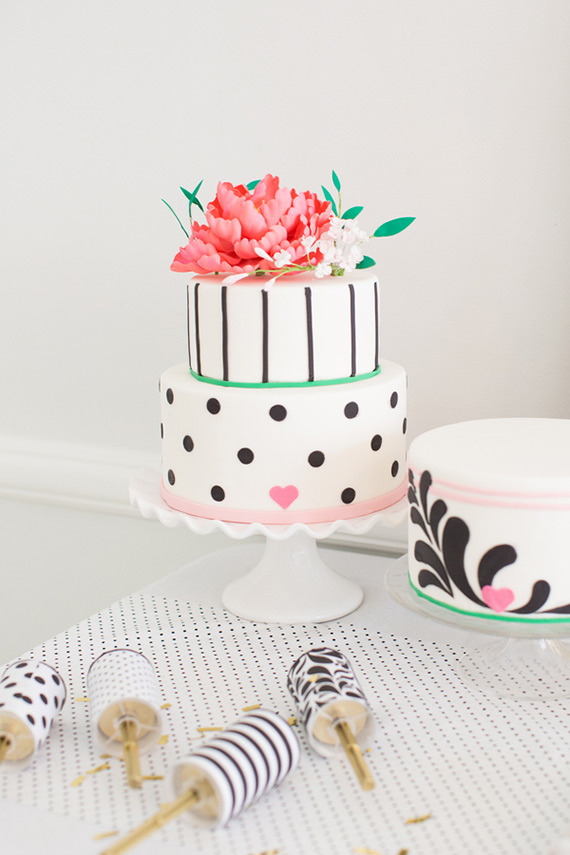 hot-pink-black-and-white-party-ideas-13