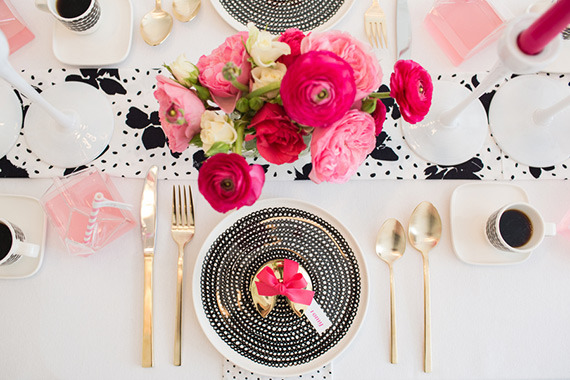 hot-pink-black-and-white-party-ideas-16